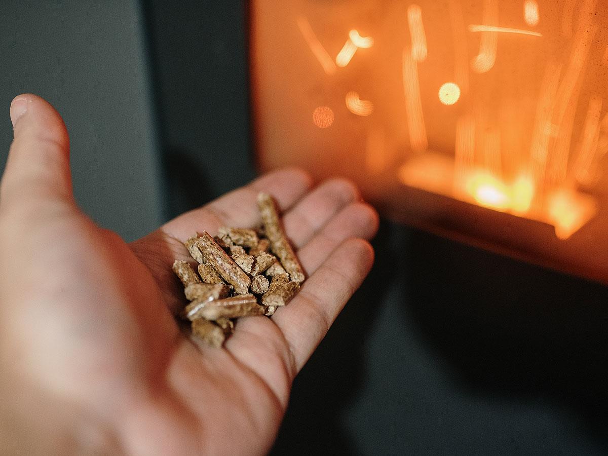 Quelle quantité de pellets pour passer l'hiver au chaud ?